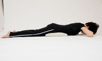 alternating leg lifts prone